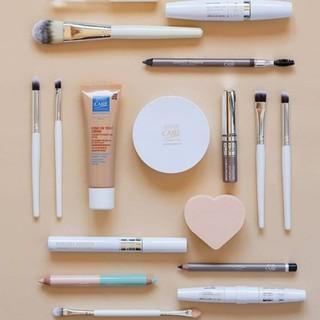Allergique au nickel, au chrome... Vous avez arrêté de vous maquiller car vous ne tolériez plus rien? Le maquillage Eye Care Cosmetics est fait pour vous.  Conçu sans composants allergisants ou irritants, il permet aux peaux les plus sensibles de renouer avec le maquillage.  L'avez-vous déjà testé?  #eye_care_cosmetics #hautetolerance #maquillage #nickel #allergienickel #allergiechrome #allergieyeux #yeuxsensibles