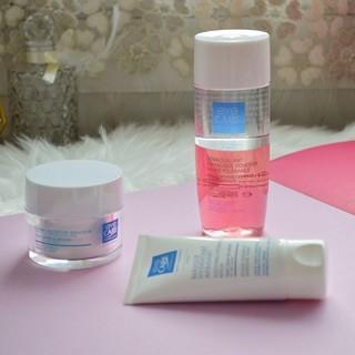 Peau desséchée ? Appliquez le Masque Hydratant Apaisant et la Crème Nutritive Douceur pour une peau nourrie en profondeur. Si vous avez la peau sensible, optez pour le Démaquillant Biphasique Douceur afin d'éliminer délicatement votre maquillage sans agresser votre peau.  #eyecarecosmetics #masquehydratant #biphasiquedouceur #cremenutritive #peausensible #hautetolerance #eye_care_cosmetics